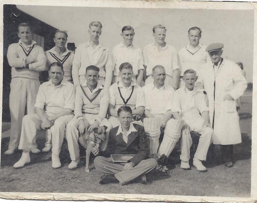 1946-Team Photo